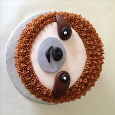 oh man, this cake. when ashley contacted me about a sloth cake for her best frie. Oh Mann, d Deco Cupcake, Cupcake Cakes, Beautiful Cakes, Amazing Cakes, Sloth Cakes, Carrot Cream, Animal Cakes, Cute Cakes, Creative Cakes