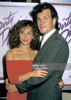 Actors Jennifer Grey and Patrick Swayze attend the premiere of 'Dirty Dancing' at the Gemini Theater on August 1987 in New York City. Dirty Dancing, Houston, Iconic Movies, Good Movies, Jennifer Grey Patrick Swayze, Patrick Swayze Movies, Patrick Swazey, Lisa Niemi, Image Film
