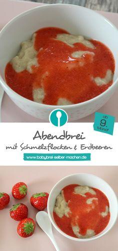 Abendbrei für Babys mit leckeren Schmelzflocken. Im Winter sind TK-Erdbeeren prima geeignet. Der Babybrei ist ab dem 9. Monat geeignet, das Rezept findet ihr auf dem Blog.