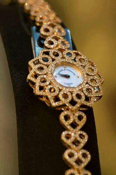 Fancy Watches, Trendy Watches, Elegant Watches, Beautiful Watches, Gold Diamond Watches, Gold Watches Women, Stylish Jewelry, Quartz Watch, Fashion Watches