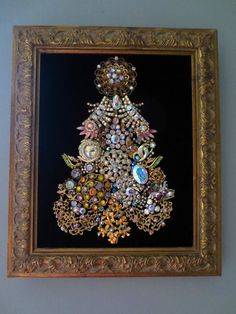 LOVELY FRAMED VINTAGE JEWELRY CHRISTMAS TREE, AURORA BOREALIS RHINESTONES & GOLD