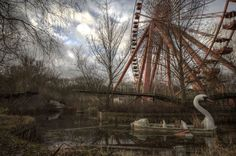 16 Eerie and Abandoned Amusement Parks