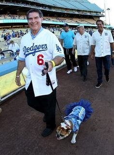 Former Dodgers player Steve Garvey has surgery Steve Garvey, Dodger Blue, San Diego Padres, Los Angeles Dodgers, Baseball Players, Celebrity News, Celebrities, Surgery, Sports