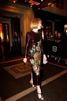 Pin for Later: Everyone Slipped Into Their Sexiest Looks For the Met Gala Afterparty Anna Wintour Olivia Palermo, Audrey Hepburn, Anna Wintour Style, Stockholm Street Style, Paris Street, Victoria Beckham, Met Gala Red Carpet, Milan Fashion Weeks, London Fashion