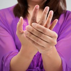 Remedies Arthritis Rheumatoid Arthritis Symptoms 5 Natural Treatments - More than million Americans suffer from rheumatoid arthritis symptoms, making it the most common form of arthritis. Find out how to treat RA symptoms. Arthritis Hands, Prevent Arthritis, Yoga For Arthritis, Juvenile Arthritis, Rheumatoid Arthritis Treatment, Knee Arthritis, Arthritis Relief, Types Of Arthritis, Arthritis Symptoms
