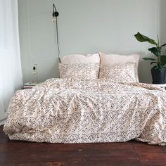 De simpelheid van deze slaapkamer is onze mooi! Wat is jouw mooi? #mooi #crispsheets