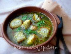 Предлагаме ви една вкусна лучена супа с крутони за студеното време.