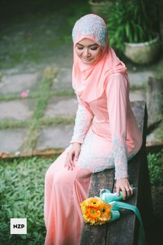 Wedding dress. Garden Engagement Ceremony in Shah Alam, Malaysia. Photography by NZP www.nazimzafri.com