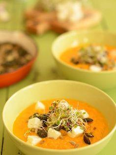 """Zupa marchewkowa """"fit"""" - ale i tak najlepsza na świecie :) - MniamMniam.pl Ketogenic Recipes, Keto Recipes, Snack Recipes, Healthy Recipes, Snacks, Vegan Gains, Best Soup Recipes, Slime Recipe, Keto Dinner"""
