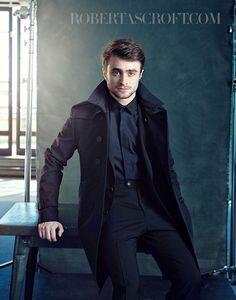 Daniel Radcliffe by Robert Ascroft. Saga Harry Potter, Harry Potter Actors, Harry James Potter, Harry Potter World, Daniel Radcliffe Harry Potter, Macho Alfa, Hollywood, Tom Felton, Actors & Actresses