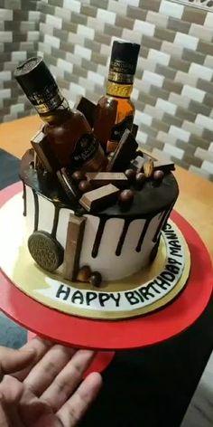 Alcohol Birthday Cake, 40th Birthday Cakes For Men, Birthday Cake For Boyfriend, Alcohol Cake, Creative Birthday Cakes, Special Birthday Cakes, Elegant Birthday Cakes, Husband Birthday Cake, Boyfriend Cake