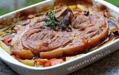 PULPA DE PORC CU LEGUME LA CUPTOR | Rețete Fel de Fel Pork Recipes, Cooking Recipes, Romanian Food, Cordon Bleu, Pot Roast, Bacon, Food And Drink, Ethnic Recipes, Anul Nou