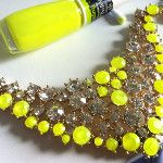Neon necklace!  So smart.....paint over cheap jewlery to make them look modern and expensive!