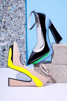 POP out with some Jeffrey Campbell's #omgshoes @jeffreycampbell