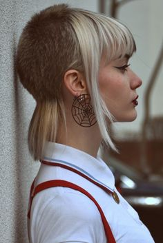 images of skin head girls hair - Yahoo Image Search Results Girl Haircuts, Girl Hairstyles, Fred Perry, Hair Inspo, Hair Inspiration, Hair Style Girl Image, Chelsea Cut, Short Punk Hair, Light Blue Hair