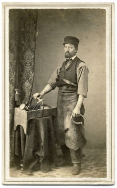 Carte de visite by Beers Bros. of Franklin, N. A farrier with his tools of the trade. I encourage you to use this image for educational purposes only. However, please ask for permission. American Civil War, American History, Photo Reference, Vintage Men, Faces, Painting, Crystal, Tools, Cabinet