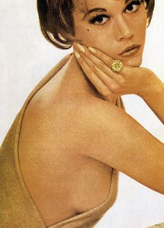 Jane Fonda wearing Jean Schlumberger's 25-carat canary diamond ring for Harper's Bazaar, September 1960