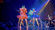 While Katy turned it into a big, fun on-stage party. | Katy Perry's Prismatic World Tour Is A Riot Of Cats, Emojis And '90s Fashion