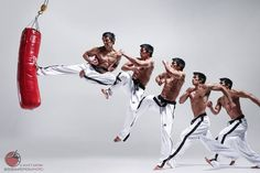 Jump side kick Action Pose Reference, Human Poses Reference, Pose Reference Photo, Action Poses, Anatomy Reference, Sequence Photography, Motion Photography, Karate, Fighting Poses