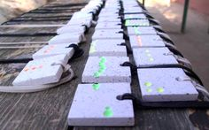 handmade concrete fluorescent medals ( madebyme: Csikós Kitti, instagram: csikoskitti)