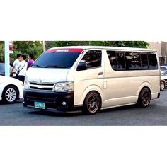Hiace Toyota Hiace, Custom Cars, Vans, Trucks, Vehicles, Pancakes, Weird, Classic, Ideas