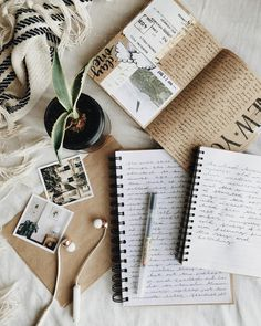 16 ideas diy art journal ideas paper for 2019 Flat Lay Photography, Book Photography, Photography Women, Book Aesthetic, Aesthetic Pictures, Photocollage, Coffee And Books, Coffee Pics, Bullet Journal Inspiration