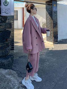 Kpop Fashion Outfits, Suit Fashion, Korean Outfits, Look Fashion, Korean Winter Outfits, Korean Ootd, Blazer Fashion, Cheap Fashion, Korean Girl Fashion