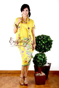 Kartini bolero with inner  Fb :  everlasting batik po