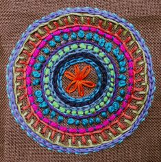 Zen Stitching - How to Embroider a Mandala with No Pattern Hand Embroidery Projects, Embroidery Stitches Tutorial, Hand Embroidery Patterns, Embroidery Techniques, Beaded Embroidery, Cross Stitch Embroidery, Machine Embroidery, Applique Quilts, Sewing Crafts