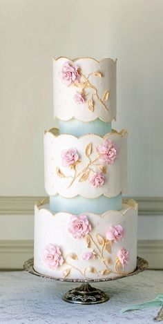 Wedding Cake | Elegant | Scalloped | Ivory, Pale Pink & Light Blue