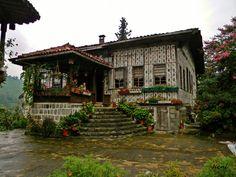Lazian House