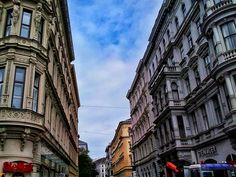 wien / austria - photo by koto serdar bulgu Neoclassical Architecture, Baroque Design, Modern Buildings, Vienna, Austria, Street View, Photos, Pictures, Photographs