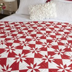 FREE Download! The GO! Festive Hunter Star Quilt is perfect for the holidays.