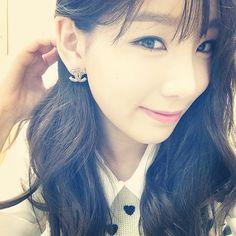 Taeyeon : 범수오라버니께서 주신 오늘 노래도하고 선물도받고 기분이 너무 따뜻해요 노래들으신분들도 따뜻하셨음좋겟어요^^ #김범수콘서트