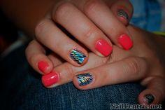 NailCentric - nail art, nail tutorials and how to - Page 25 Nail Desing 2 colour nail designs Zebra Nail Designs, Zebra Nail Art, Simple Nail Art Designs, Easy Nail Art, Nail Tutorials, Short Nails, Zebra Print, Nail Colors, Colours