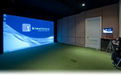 Golf simulator...gotta get this for mom and dad :)