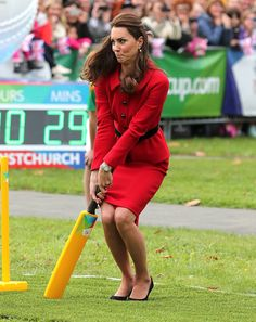 Kate Middleton playing cricket in Christchurch, April 2014