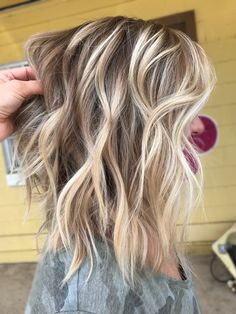 Rooted Blonde by Holly Painter at The Prissy Hippie Hair Highlights, Thick Blonde Highlights, Low Lights And Highlights, Blonde Ombre Hair Medium, Blonde Balayage, Balayage Long Bob, Beige Blonde Hair, Summer Highlights, Blonde Roots
