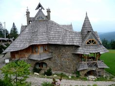 The World's Storybook Cottage Homes Wooden Cottage in Białka Tatrzańska, the Tatra Mountains, Poland Wooden Cottage, Cozy Cottage, Cottage Homes, Cottage Style, Little Cottages, Cabins And Cottages, Little Houses, Storybook Homes, Storybook Cottage