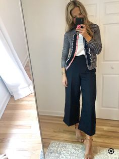 Gingham Shirt Outfit, Preppy Work Outfit, Preppy Summer Outfits, Summer Outfits Women, Preppy Style, Preppy Fashion, Pants Outfit, Women's Fashion, J Crew Outfits