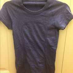 lululemon size 4 workout top wore it once, no size tag, like new, lululemon athletica Tops Tees - Short Sleeve