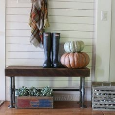 Good Saturday morning friends. I am up with my coffee, my book and I even have the windows open! Perfect Saturday morning. And to top it off, the rest of the house except my middle daughter who loves to beat everyone else awake, is still sleeping 🙌 Sharing this shot of our entry way. I love this little egg crate that I picked up a few weekends ago. Its just sitting here ready to be filled with eggs!! 😊 I can't wait until next year when we can gather some. 🐔🐣 #misdiy #simplelivingsaturday…