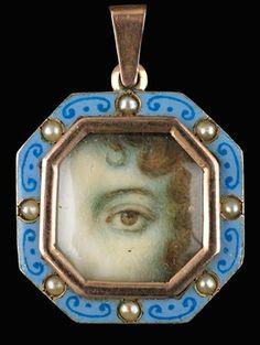 vintage lover's eye jewelry pendant