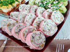 Coś innego -pięknie wyglądają na stole i pysznie smakują-idealne na każdą okazję,domówkę,urodziny czy święta,można przygotować je dzie... Salad Menu, Salad Dishes, Easy Salad Recipes, Easy Salads, Crab Stuffed Avocado, Cottage Cheese Salad, Lime Chicken, Polish Recipes, Wrap Sandwiches