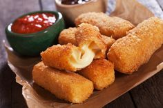 Welcome to how to make homemade mozzarella sticks in the Airfryer.