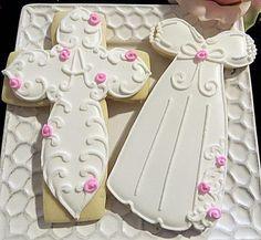 baptism cross and dress Cross Cookies, Fancy Cookies, Cute Cookies, Easter Cookies, Royal Icing Cookies, Sugar Cookies, Christening Cookies, Cupcake Shops, Baby Shower Cookies