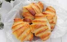 Croissante Sweets Recipes, Snack Recipes, Healthy Recipes, Healthy Foods, Croissant, Churros, Romanian Food, Spanakopita, Nutella