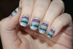 Scalloped Stripe Nails
