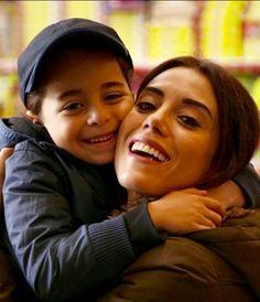 """Anne dizisi oyuncuları; Cansu Dere ve Beren Gökyıldız from Turkish series """"Anne"""""""