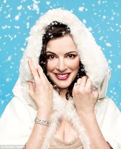 Nigella: 'I would prefer to eat chips and curry sauce for Christmas' 2008 Nigella Lawson Christmas, John Diamond, Tv Chefs, Fashion Network, Curry Sauce, Domestic Goddess, Style Challenge, Perfect Woman, Beautiful Actresses